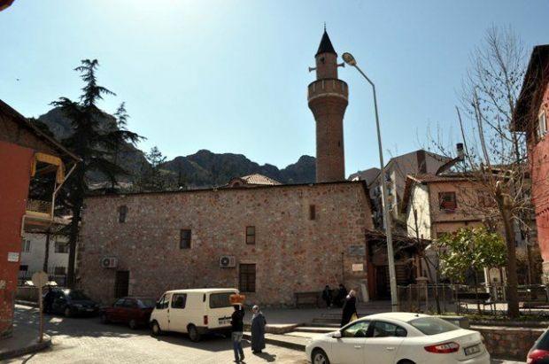 Tokat Garipler Camii, Danişmend Gazi tarafından 1074 yılında yaptırılmıştır. Türkiye'deki en eski Türk yapımı camidir.